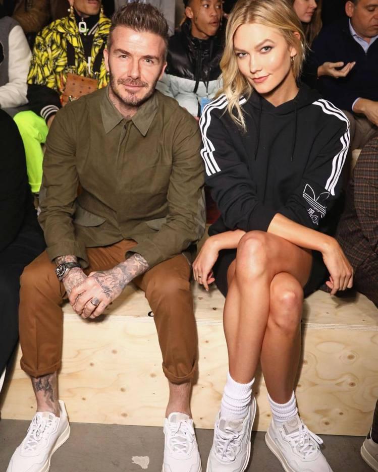 大衛貝克漢(左)與超模卡莉克勞斯,一同出席日前adidas Originals的...