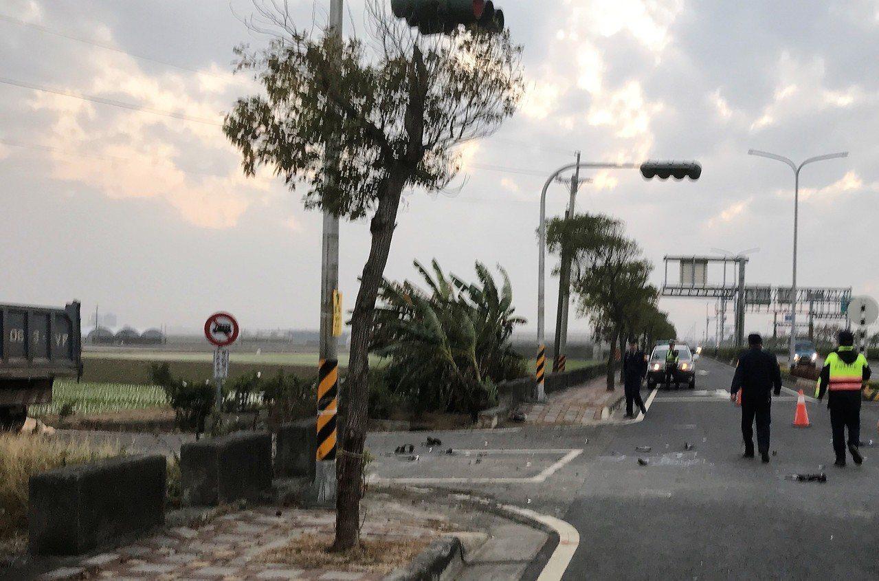 男騎士與大貨車相撞 頭被輾過當場死亡