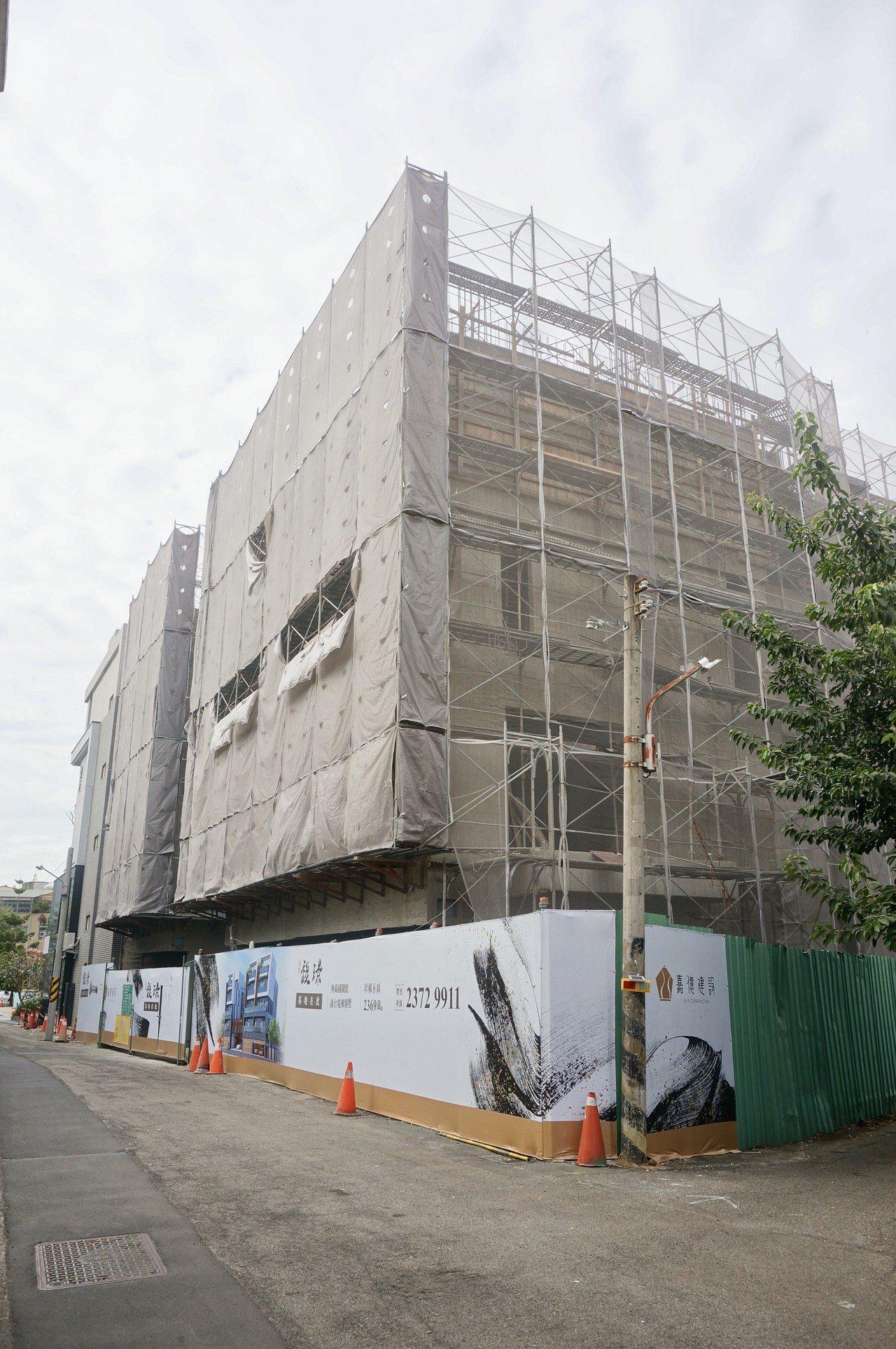 「嘉億馥璟」邊建邊售,預計今年底完工交屋。記者宋健生/攝影