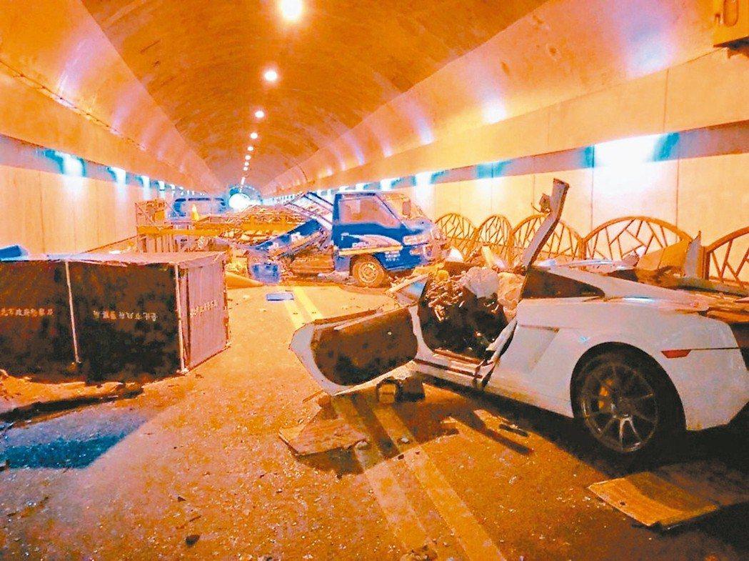 台北市自強隧道去年發生重大車禍,造成2死3傷,引發熱議。 圖/聯合報系資料照片