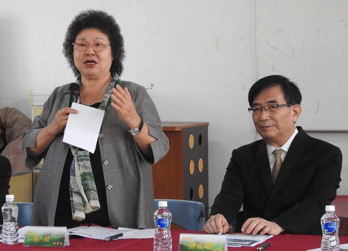 總統府秘書長陳菊(左)及前交通部長吳宏謀(右)。聯合報資料照片 記者賴香珊/攝影