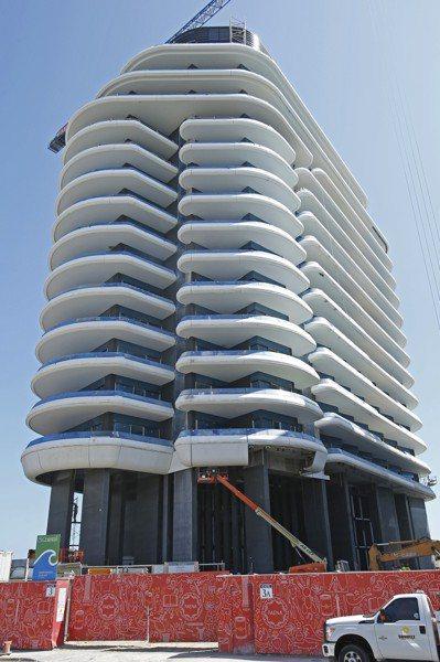 坐落於邁阿密海灘旁的「菲娜之屋」是當地知名豪宅。(美聯社)