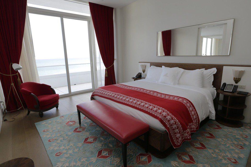 菲娜之屋的臥室一樣可享受無敵海景。(美聯社)