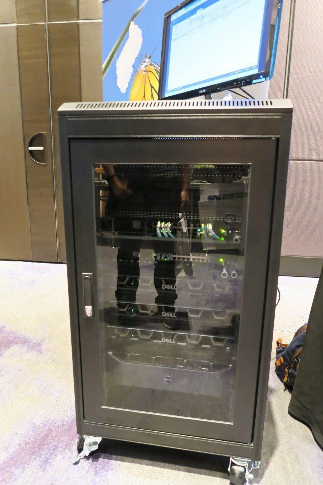 超融合架構一體機GWStack能依企業需求彈性升級外,搭配GWS混合雲服務,不需...