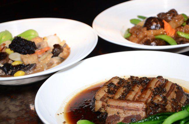 梅干扣肉、海參蹄筋、羅漢齋等三道菜,是雲品董事長盛治仁家中最常吃的年菜。 報系資...