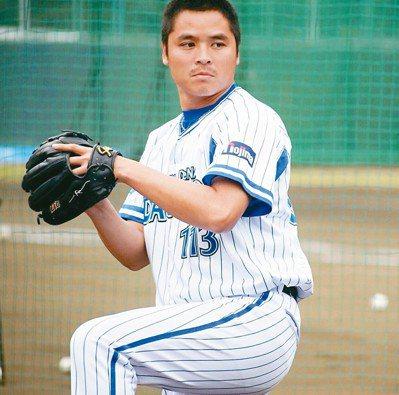 林庭逸是橫濱DeNA翻譯,並兼任餵球投手。 林庭逸/提供