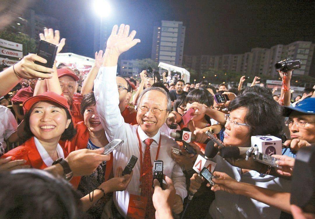 前人民行動黨議員和總統候選人陳清木已申請註冊「新加坡前進黨」。 路透