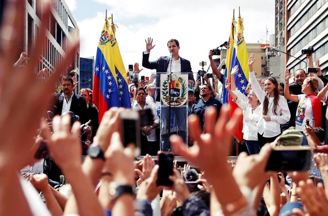 委內瑞拉反對派領袖、現任國會議長——胡安.瓜伊多(Juan Guaidó)——2...