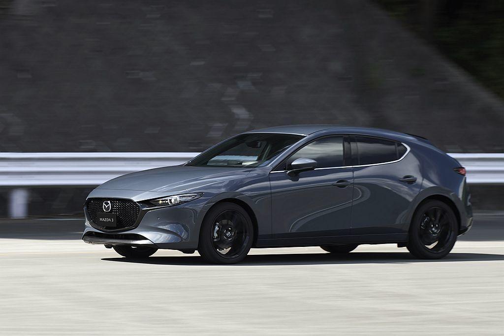 全新第四代Mazda3美規車型售價出爐,並預定在今年3月開始販售。 圖/Mazd...