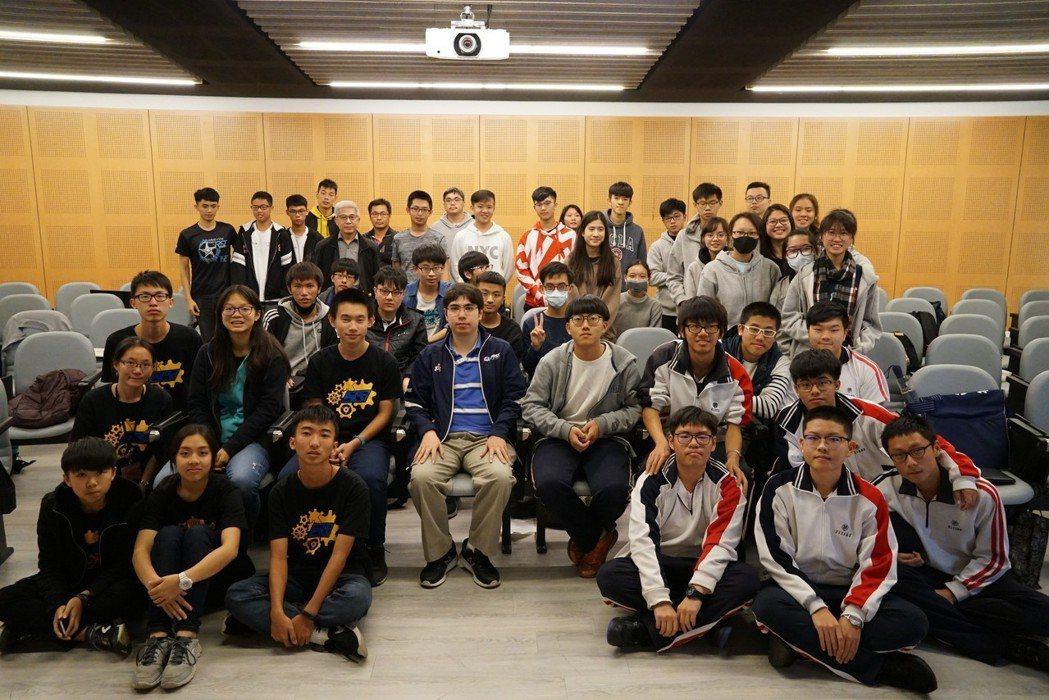 講師Howard Cohen(第一排座位中)與培訓學員合影。 中科管理局/提供