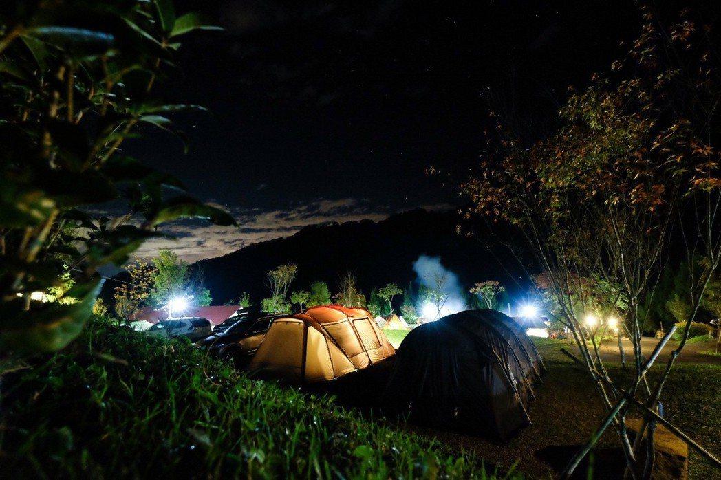 柯以柔常帶著家人一起去露營。圖/柯以柔提供