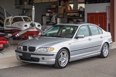 已近16歲的BMW 330i 擁有令人跌破眼鏡的低里程數!