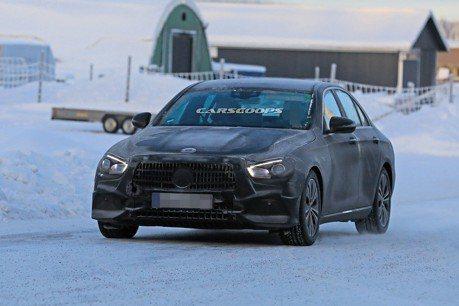 小改款Mercedes-Benz E-Class雪地現蹤 內裝首次曝光!