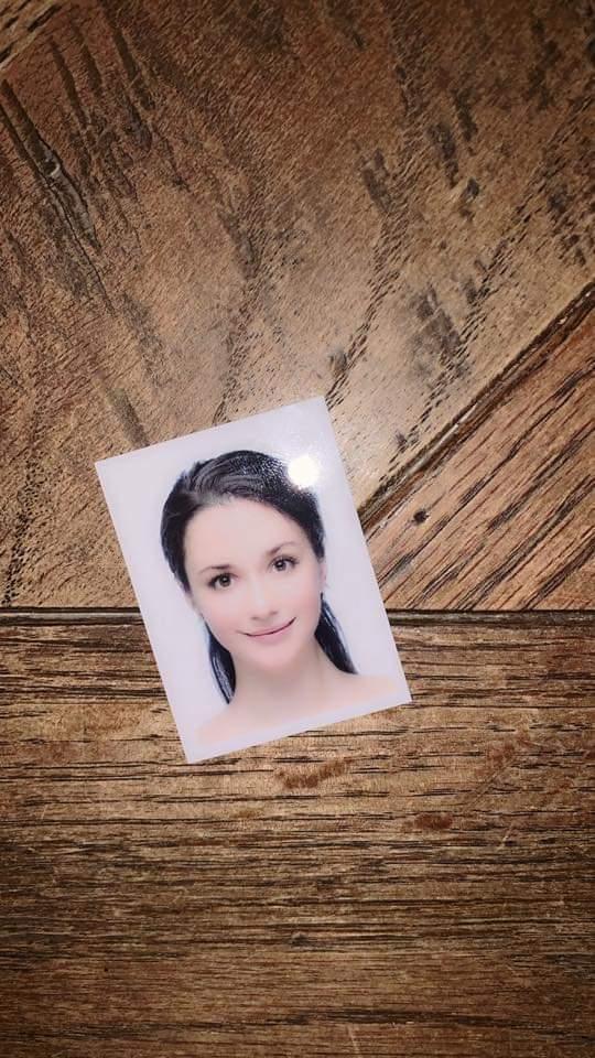 瑞莎po出新拍攝的證件照。圖/摘自臉書