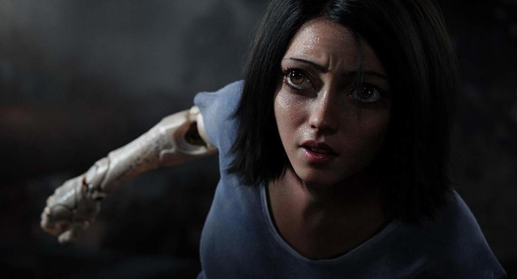 「艾莉塔:戰鬥天使」的女主角艾莉塔有一雙大眼睛。圖/福斯提供