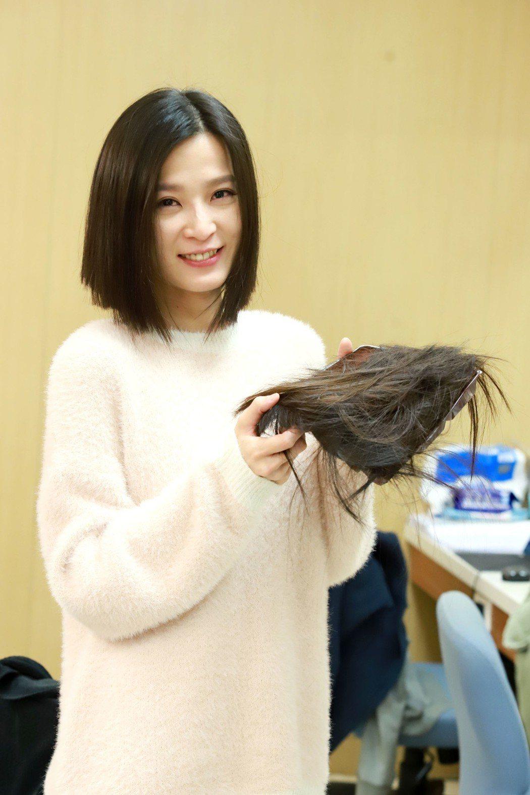 楚宣為戲減去八年長髮。圖/民視提供