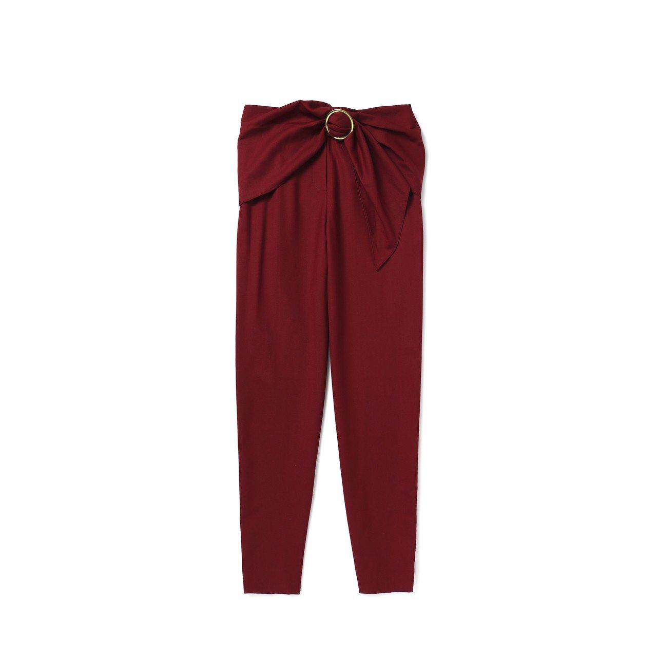 釦環設計羊毛長褲,8,900元。圖/Club Monaco提供