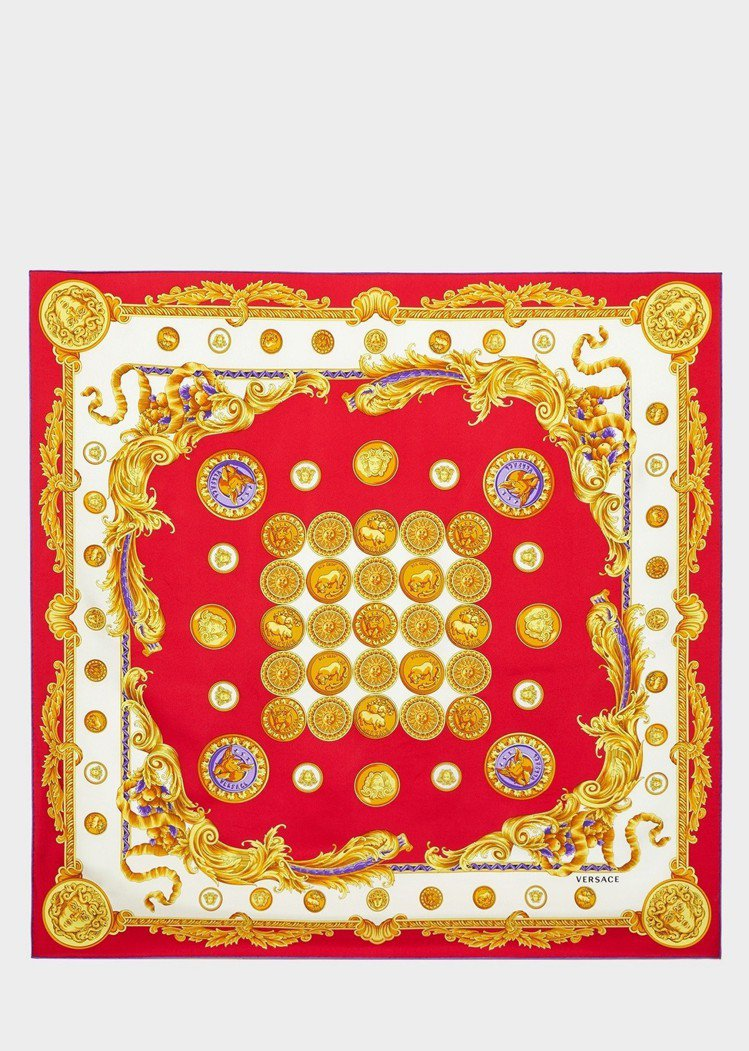Versace 農曆年限定系列圖騰絲巾,15,500元。圖/Versace提供