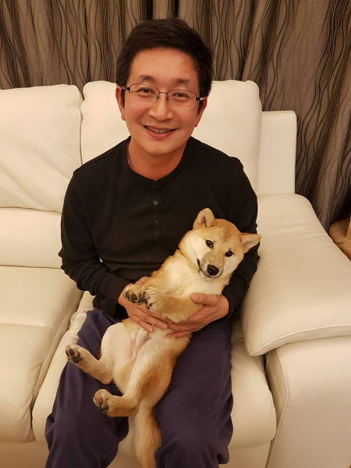 蔡適應有狗兒子Tony,看到有人虐狗,很心痛。圖/蔡適應提供