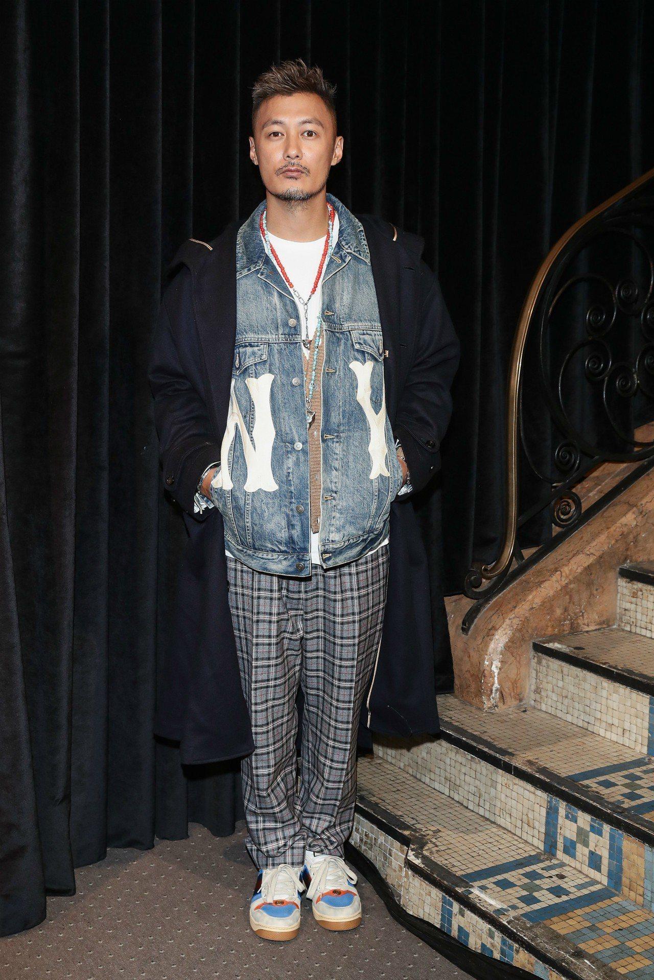 余文樂Gucci洋基牛仔外套出席2019春夏時裝秀。圖/Gucci提供