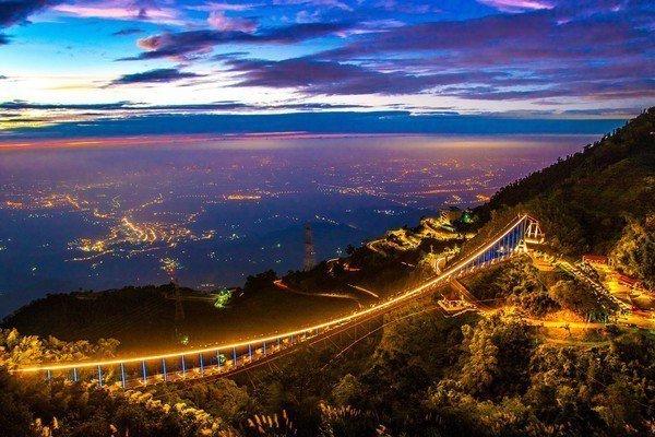 太平雲梯推出夜間燈橋活動,2月5日到2月9日間舉行,星光票每人100元。圖/摘自...