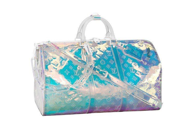 Keepall男款霓光PVC手袋,售價12萬1,000元。圖/LV提供