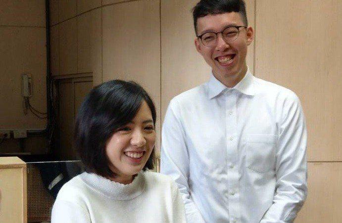 台北市政府副發言人柯昱安(右)和「學姐」黃瀞瑩是台北市長柯文哲網路操盤手。 圖/...