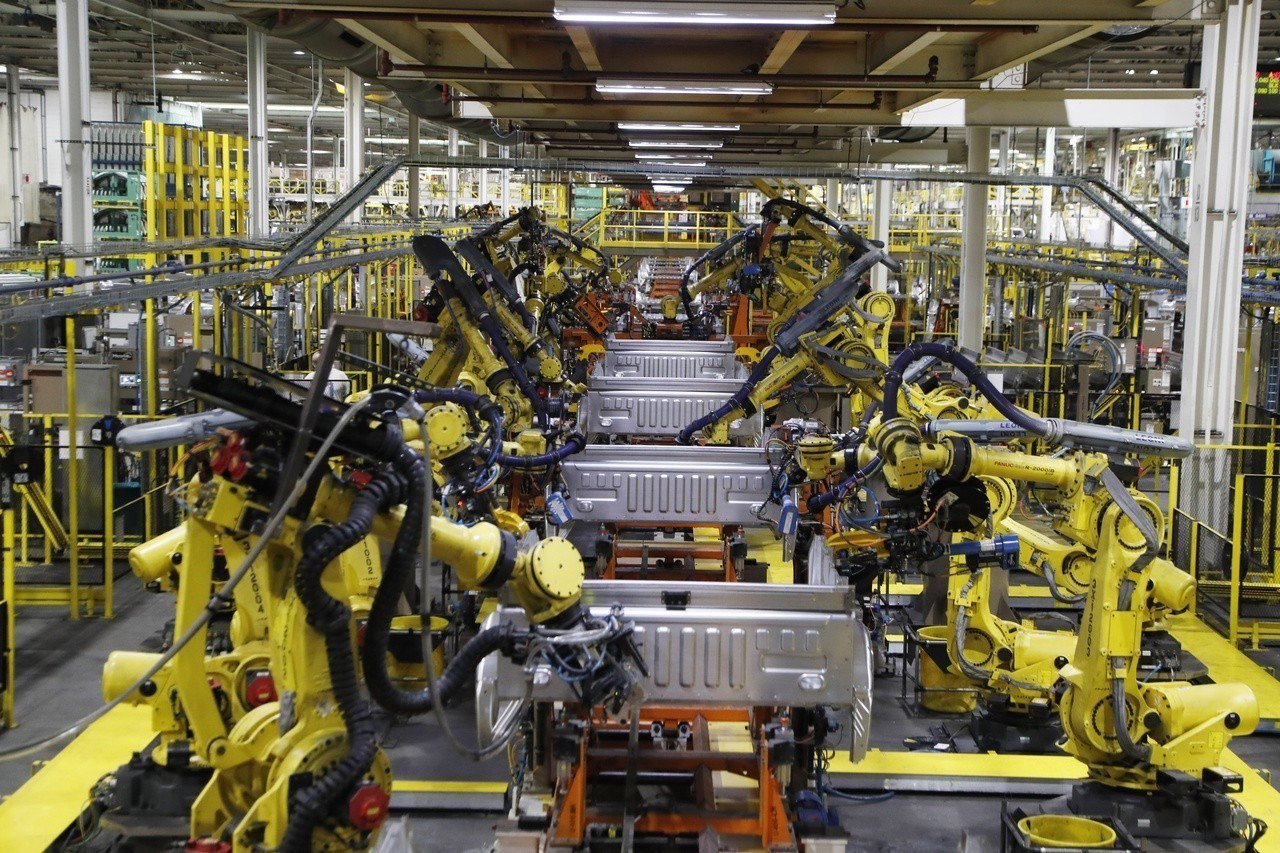 一份新研究報告指出,隨著人工智慧加速進展和現有工作自動化,美國有四分之一的工作會...