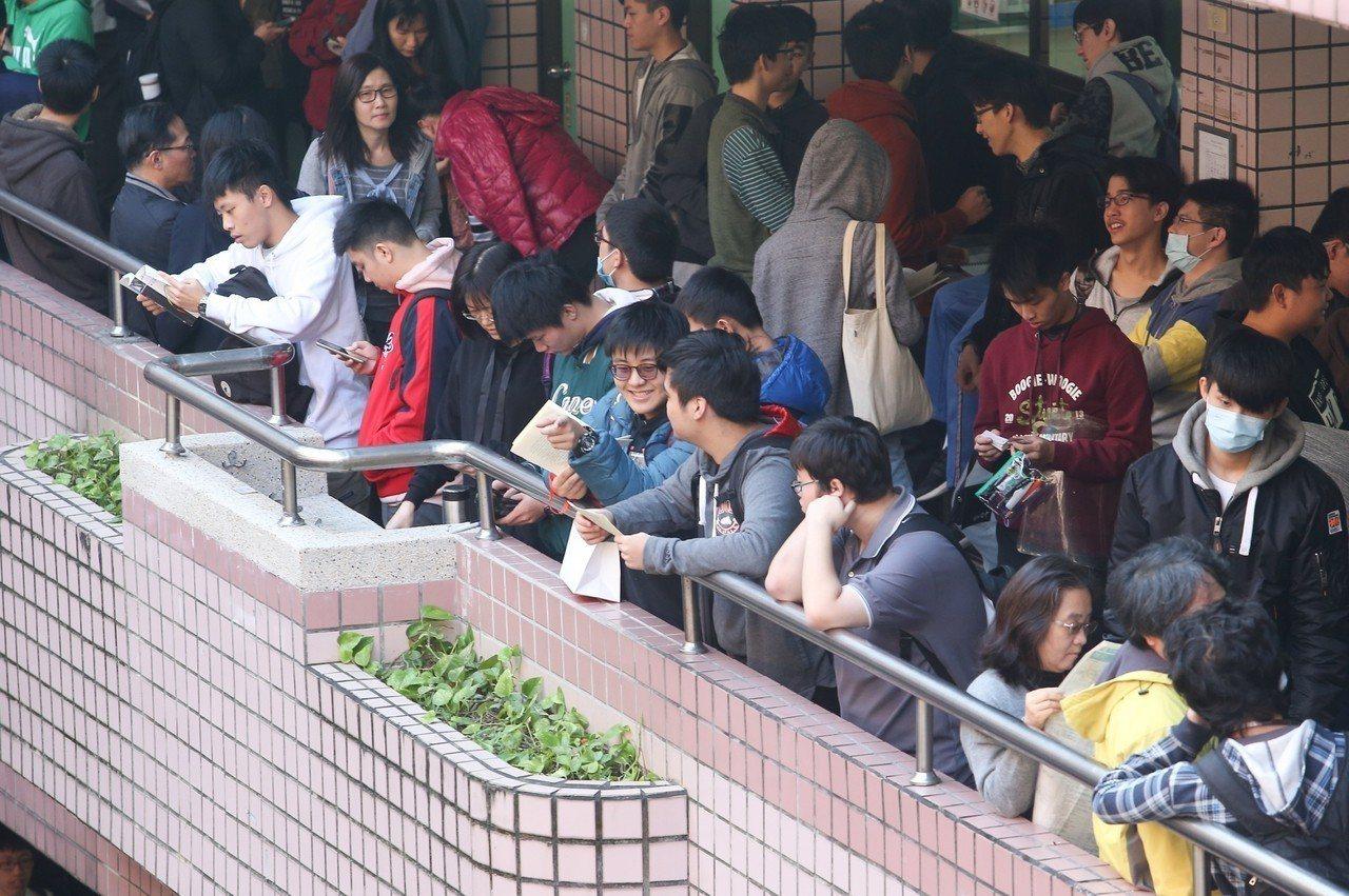 大學學測今天登場,第一天第一科考英文。記者余承翰/攝影