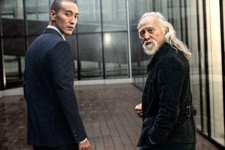 王德順(右)及王陽明兩人漫步在米蘭街頭。圖/Ermenegildo Zegna ...