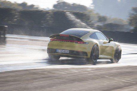 Porsche竟需解釋全新911的溼地模式 究竟有何真功夫?