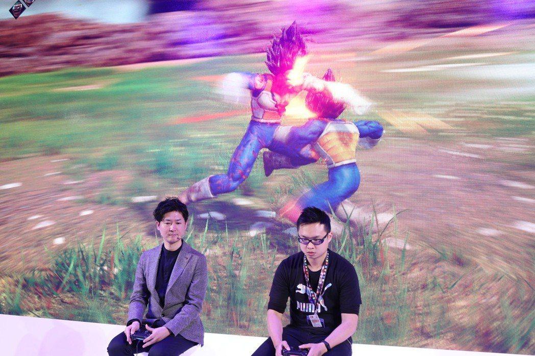 號稱目前《Jump Force》最強的角谷佐壽與現場玩家比拚