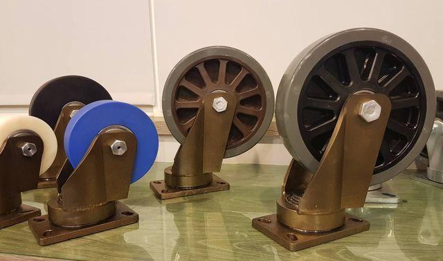 「888超重型輪」每個腳輪可負荷1.5噸~2.5噸,其具有特殊轉盤設計靈活度特高...