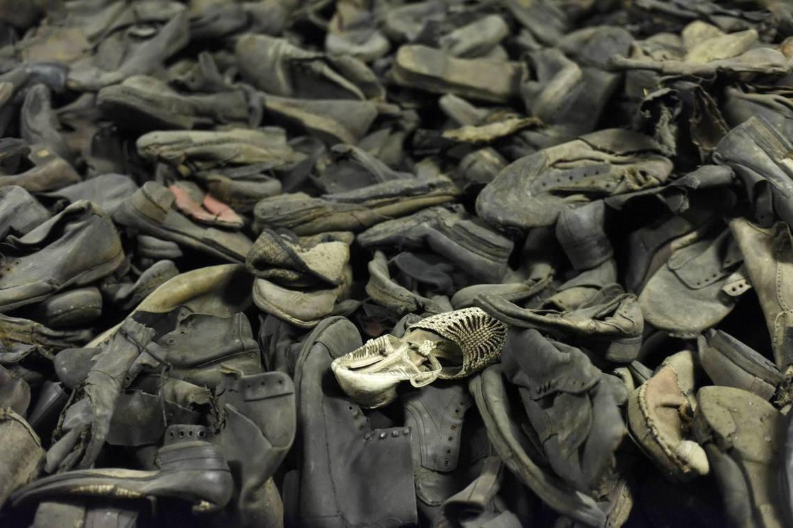 集中營受難者遺留文物為數龐大,讓保存工作難度又加高。 圖/路透社