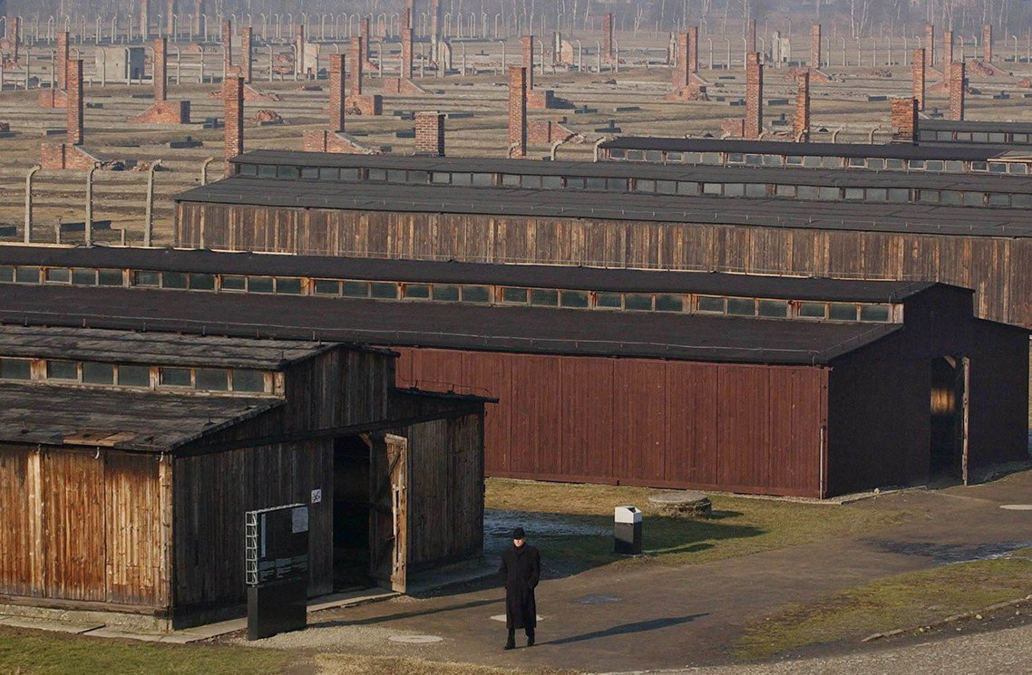 今年1月27日,是蘇聯紅軍「解放」奧斯威辛的74周年,許多集中營的文物和建築,維...