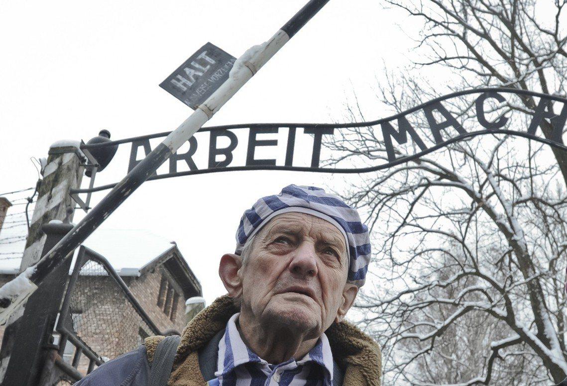 荷蘭建築歷史學家——馮.佩爾特(Robert Jan van Pelt)——認為...