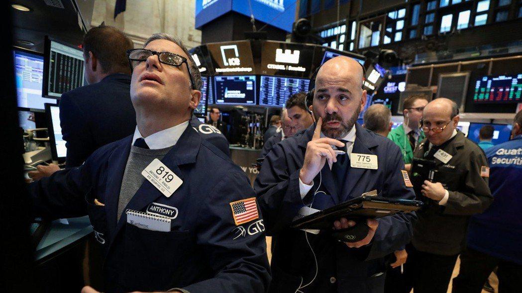 美股周四漲跌互見,晶片股帶動那斯達克指數上揚。  路透