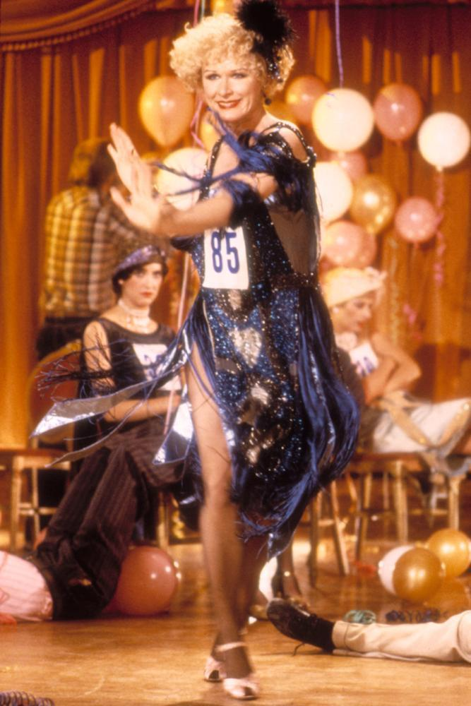 葛倫克蘿絲在「像淑女像蕩婦」扮演狂野的默片女星。圖/摘自imdb