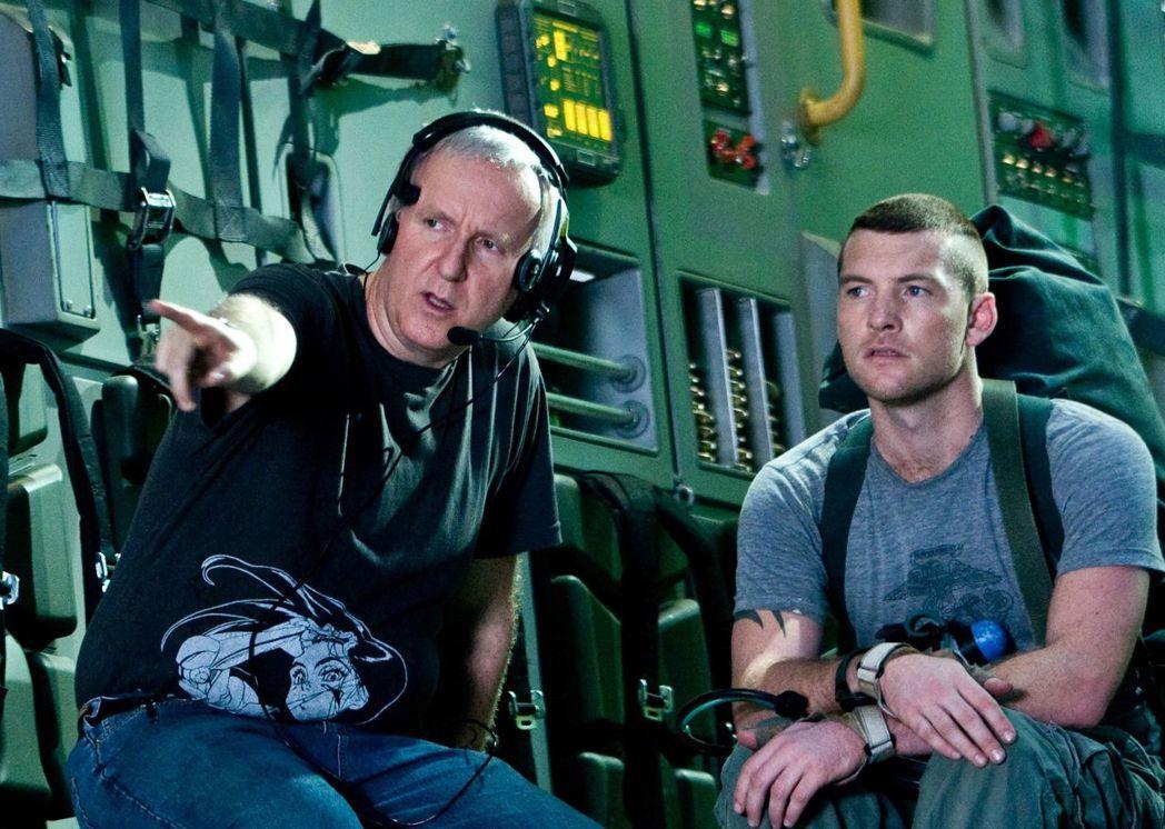 「阿凡達」導演詹姆斯卡麥隆(左)苦心籌備「艾莉塔:戰鬥天使」多年,最後將執導筒交...