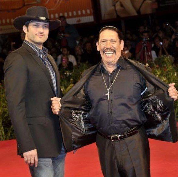 勞勃羅里葛茲曾拍過許多經典動作片,他的演員表哥丹尼崔喬與他合作過多次電影。圖/摘