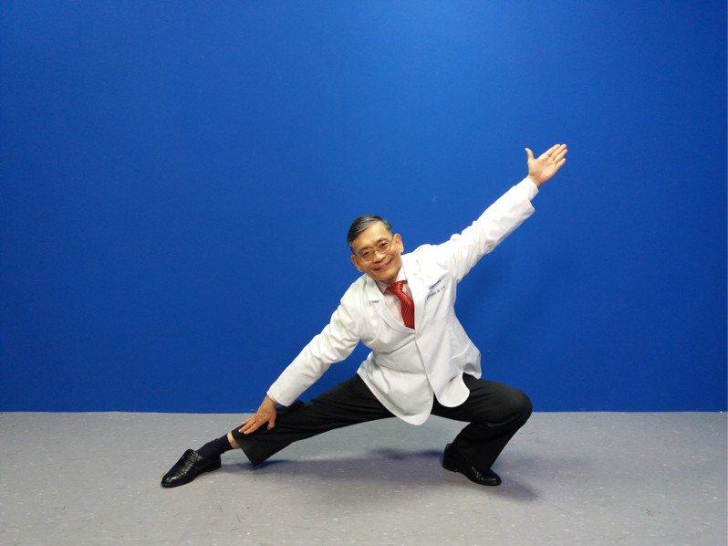簡文仁教「豬年如意操」 簡單5動作伸展關節、強化肌肉