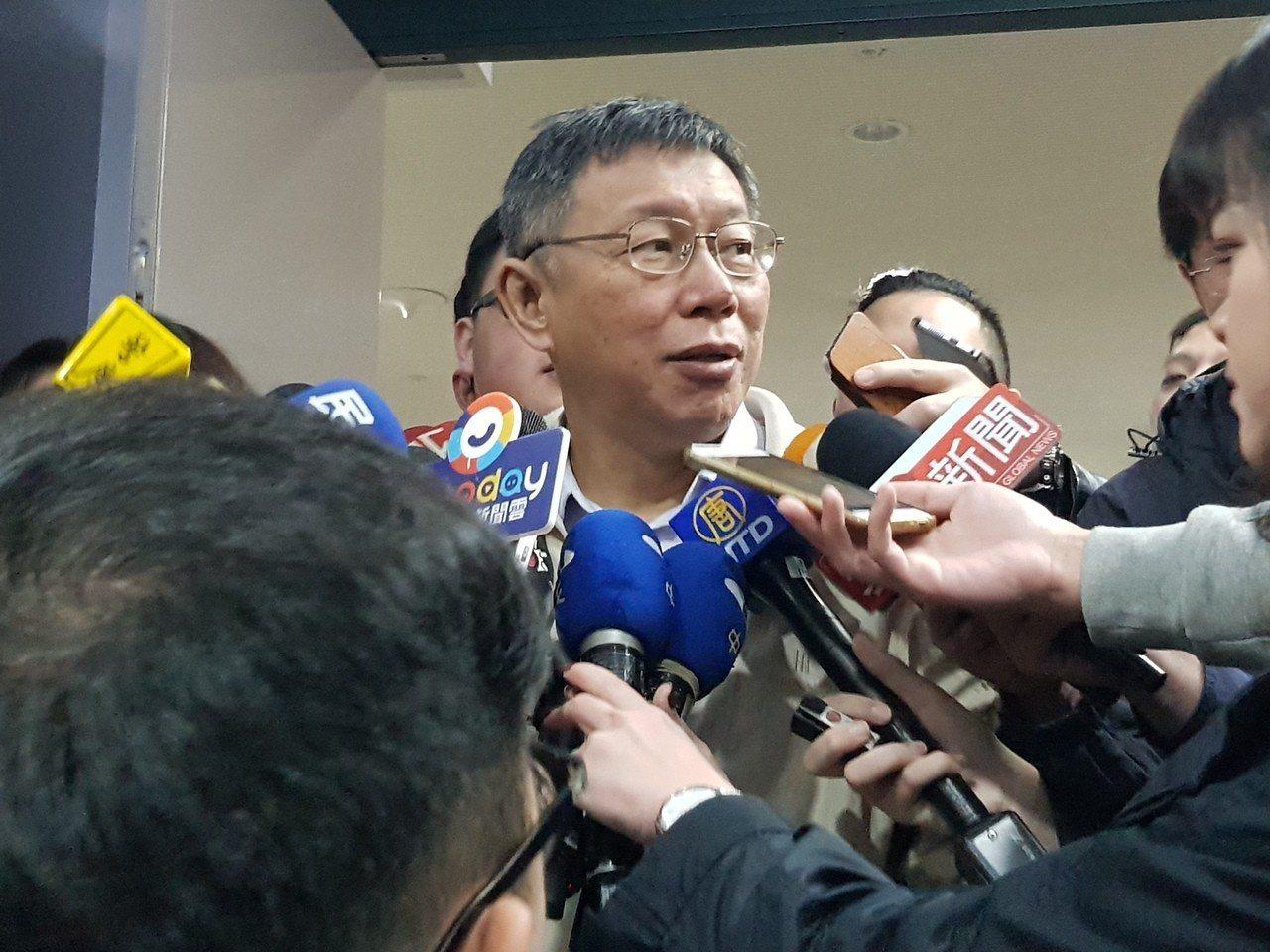 台北市長柯文哲今早在交通會報前受訪。記者翁浩然/攝影