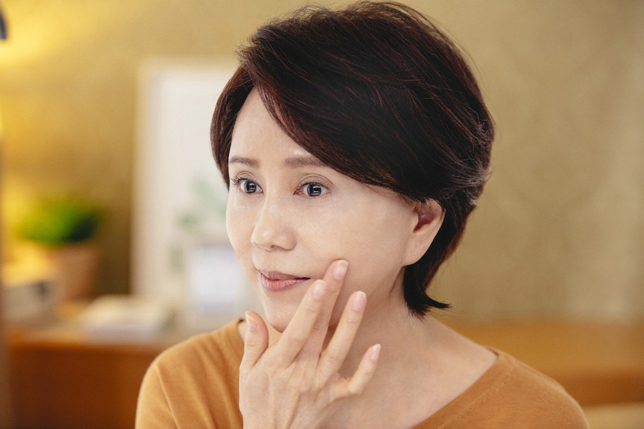 孫翠鳳認為歌仔戲重視基本功,就跟肌膚保養一樣。圖/朵茉麗蔻提供