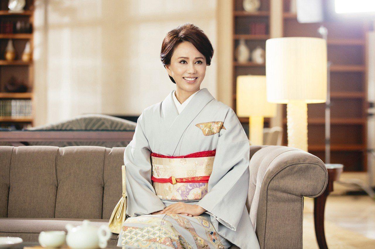 對台灣傳統文化傳承不遺餘力的孫翠鳳遇見來自日本熊本的保養品牌朵茉麗蔻,在螢幕前第...