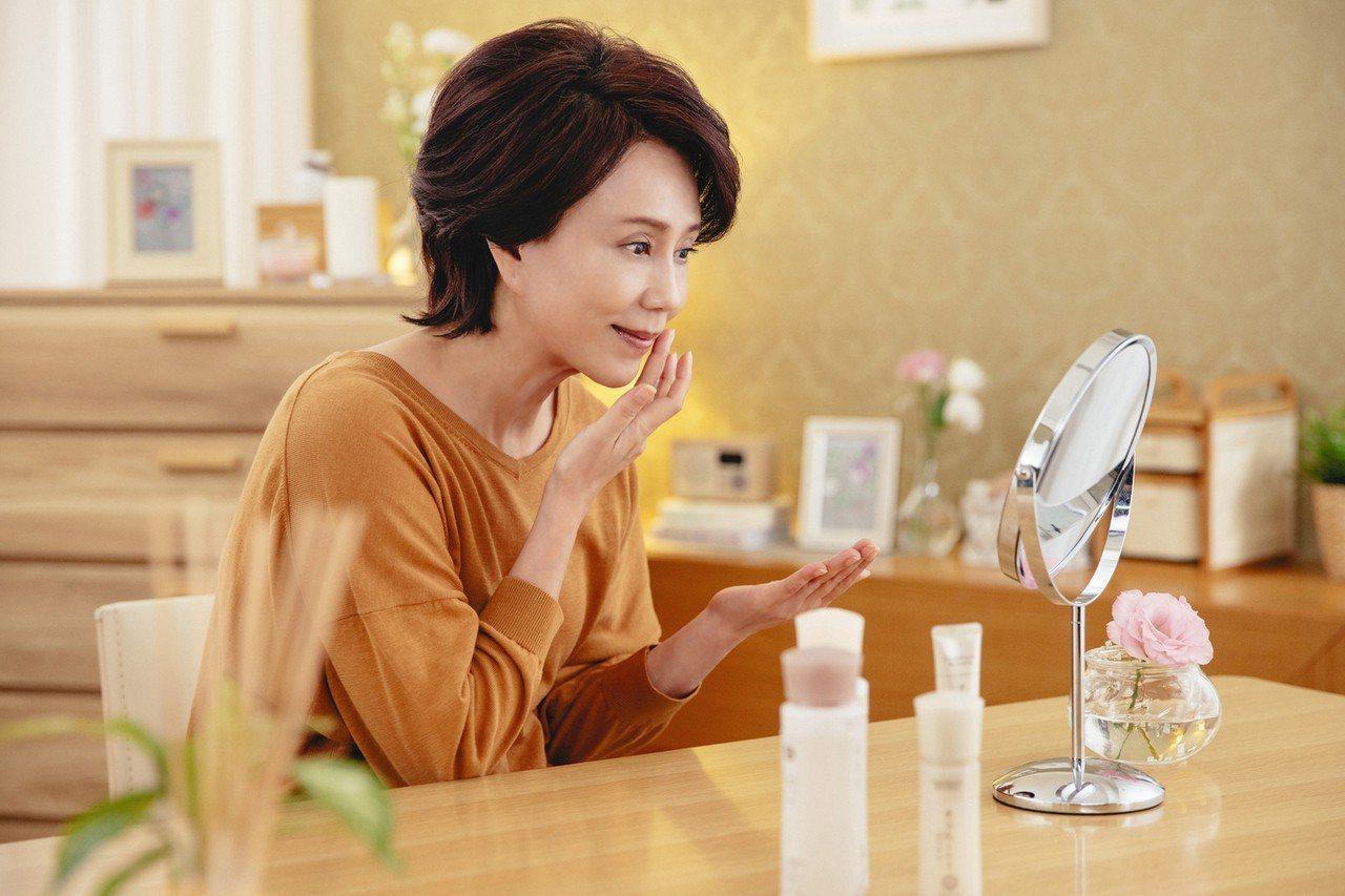 朵茉麗蔻全系列保養品瓶身貼心標示了使用順序號碼,讓孫翠鳳省掉很多麻煩。圖/朵茉麗...