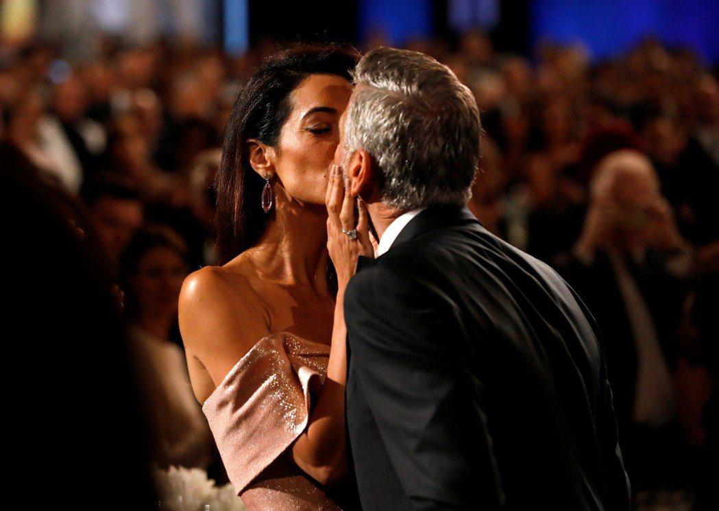 喬治柯隆尼與妻子去年還在頒獎典禮上公開秀恩愛。圖/路透資料照片
