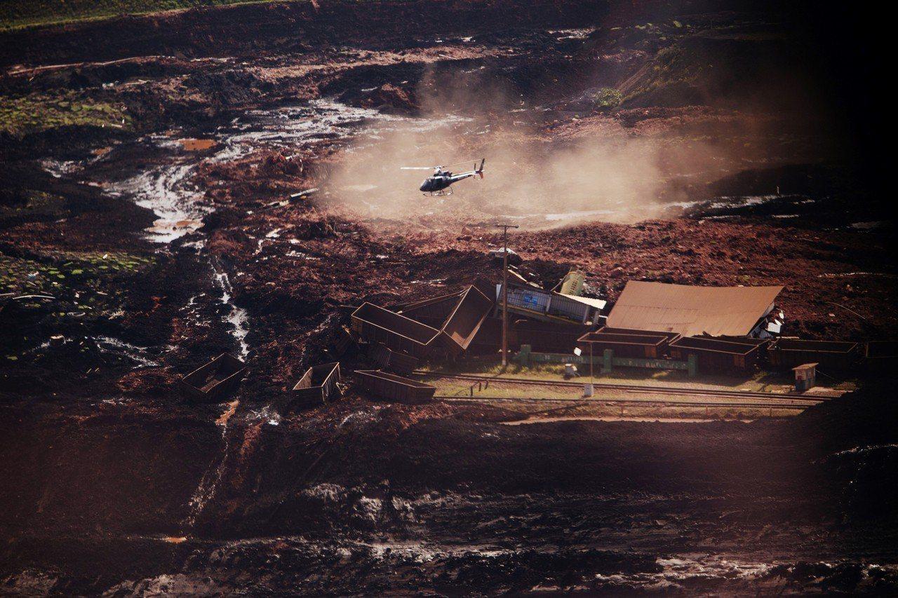 巴西一座礦場的水壩潰決,目前已知至少造成9人死亡、約300人失蹤。 新華社