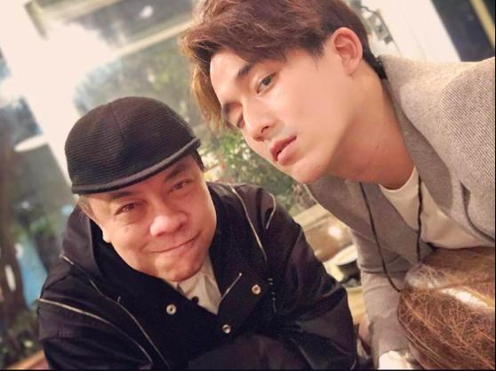 蔡康永和李博翔碰面聊天。圖/摘自臉書