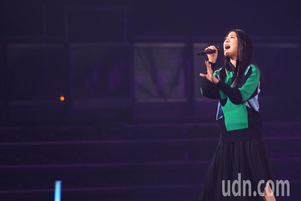 劉艾立參加第14屆kkbox風雲榜,並擔任表演嘉賓。記者葉信菉/攝影