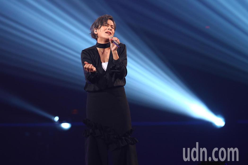 江美琪參加第14屆kkbox風雲榜,並擔任表演嘉賓。記者葉信菉/攝影